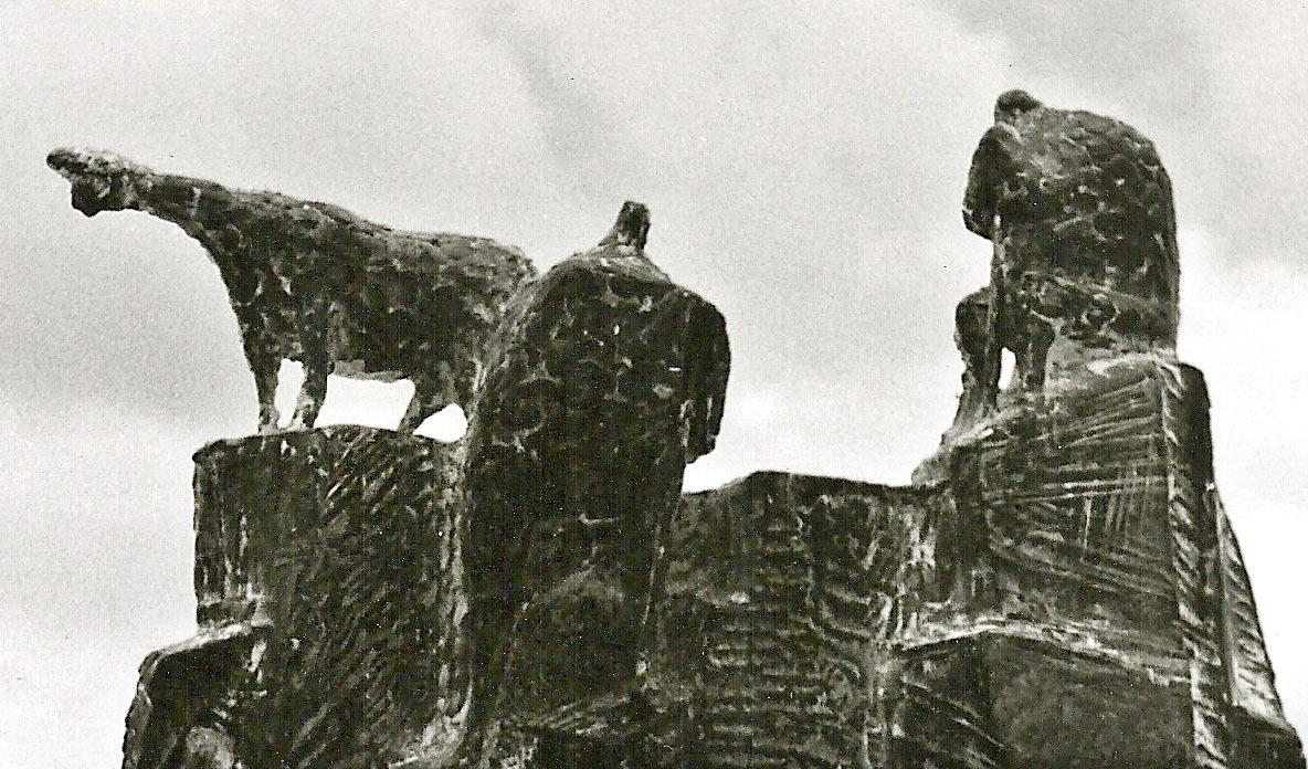 """Giuseppe Micieli. """"Ricordi d'infanzia"""" 1966, cemento"""