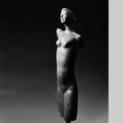 """""""Busto di donna"""" 1980 cipresso cm 66x12x10"""