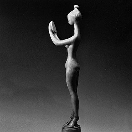 """""""Donna che si specchia"""" 1981 legno cm 48x12x8"""