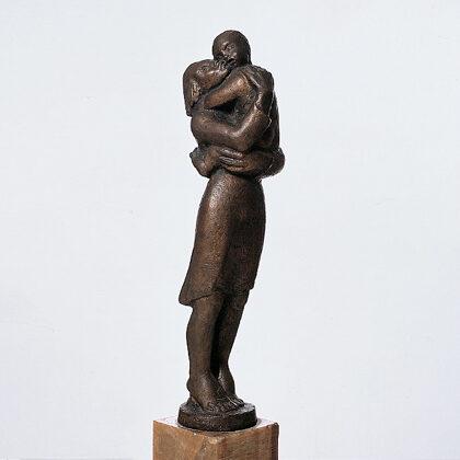 """Maternità"" 1939 bronzo cm 44x7x7"
