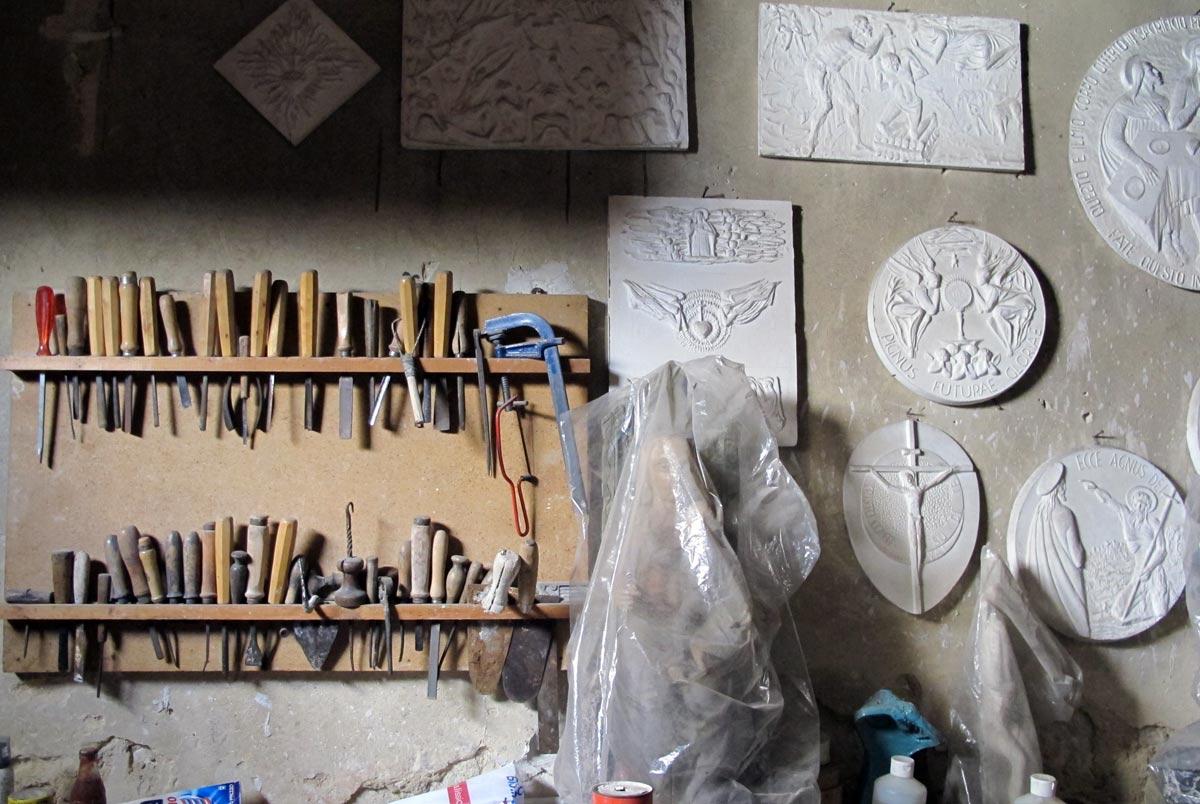 Giuseppe Micieli, nel laboratorio di scultura